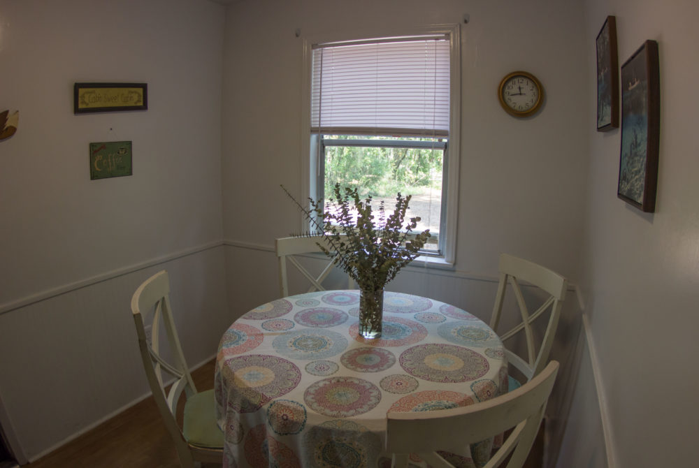 Dining room in The Ginnie Cottage at Ginnie Springs.